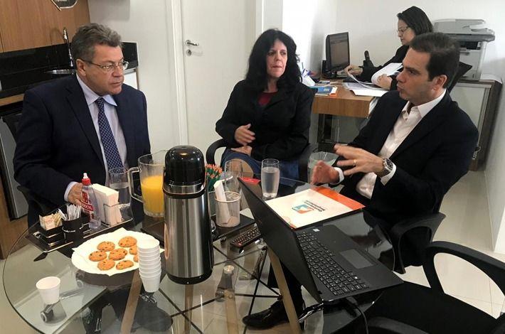 Presidente do SinHores Se Reúne com Deputado Emídio de Souza