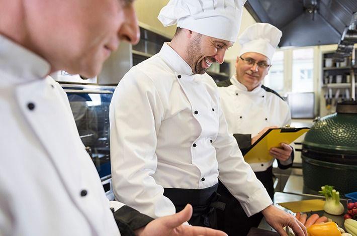 Como treinar e motivar a equipe do seu restaurante