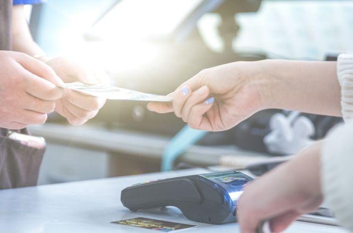 De coadjuvante a sistema essencial: 3 benefícios do pagamento automatizado para o fluxo de caixa do seu hotel